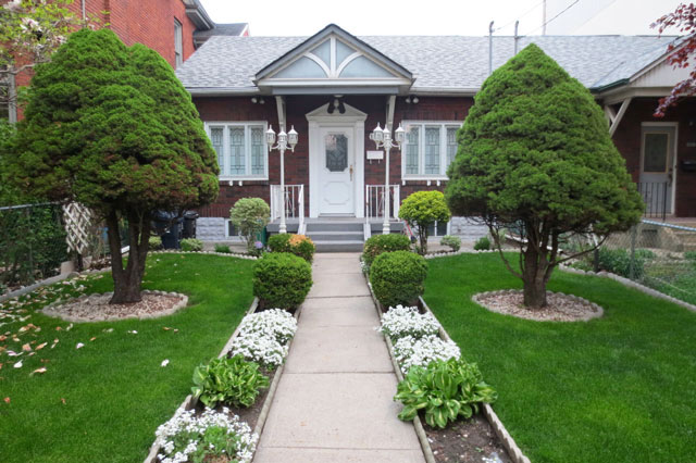 05-may-old-pretty-house-toronto