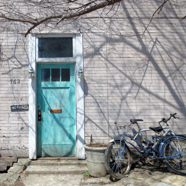 blue-door-and-bikes