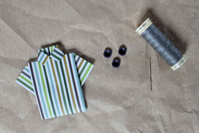 making-a-small-paper-shirt-for-greeting-card-for-man