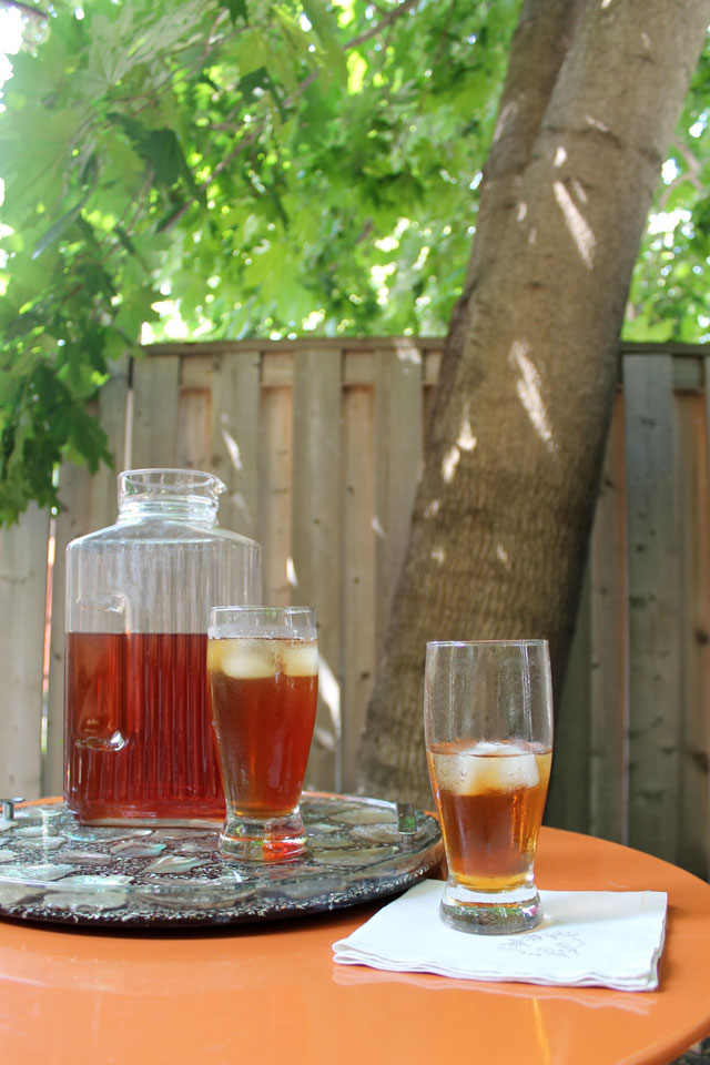 iced-tea-made-with-celestial-seasonings-herbal-fruit-tea-02