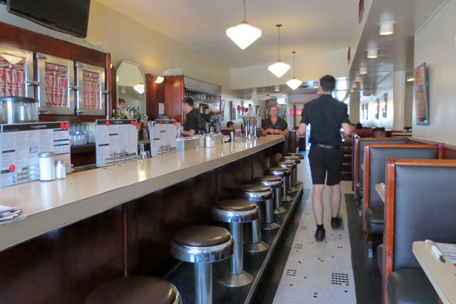 the-lakeview-restaurant-diner-toronto