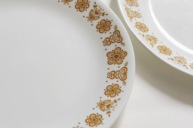 thrifted-vintage-corelle-dinner-plates-butterfly-gold-detail