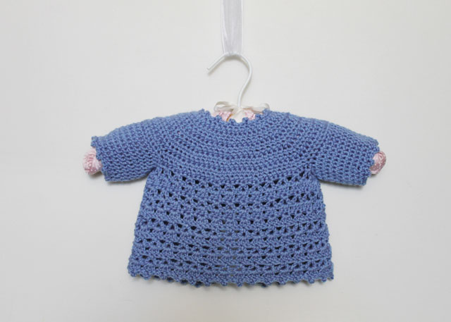 crochet-baby-cardigan-back