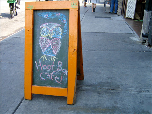owl-cafe-sign
