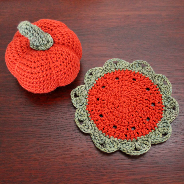 crocheted-pumpkin-and-small-doily-free-patterns
