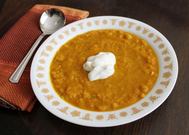 curried-pumpkin-carrot-chickpea-soup-with-greek-yogurt-02