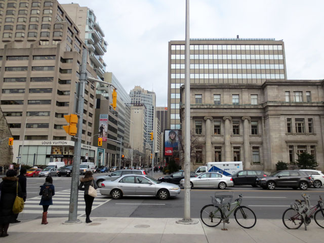 looking-east-on-bloor-street-from-university-avenue-toronto
