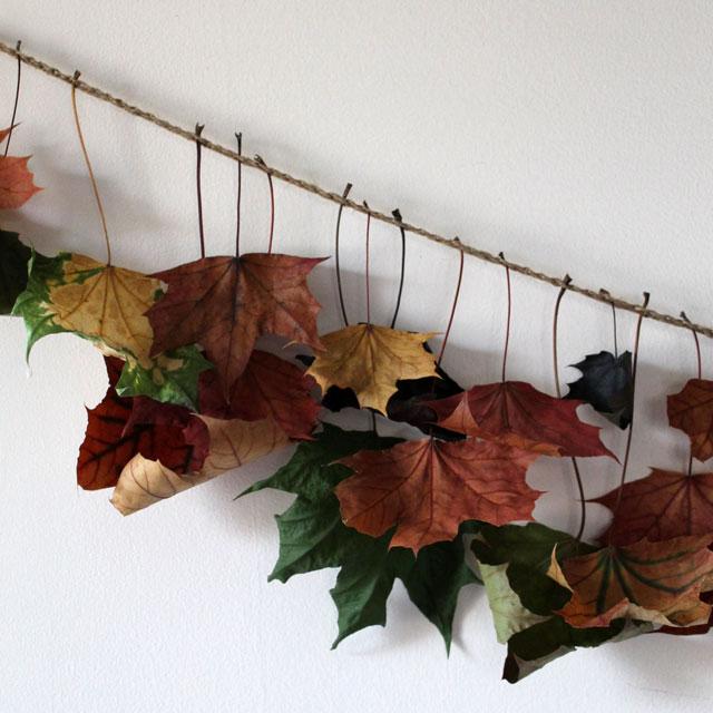 maple-leaf-garland