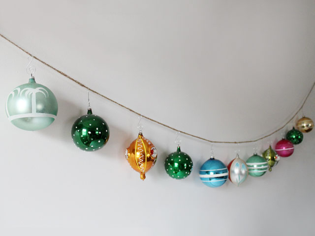 garland-made-from-twine-and-large-vintage-christmas-balls-4
