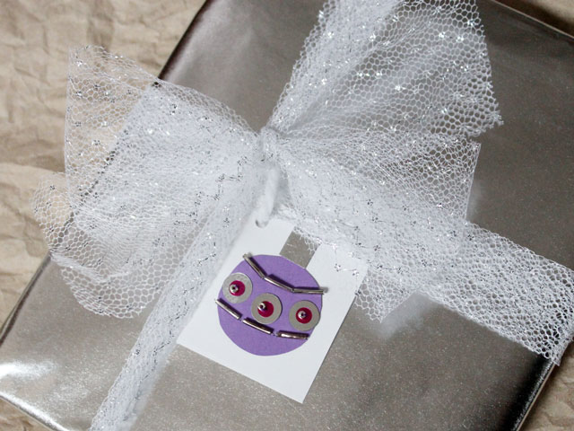 handmade-gift-tag-sequins-and-beads