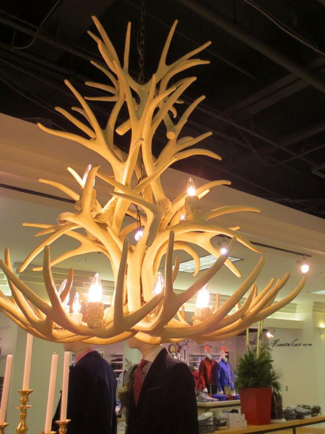 the-bay-display-downtown-toronto-christmas-2014