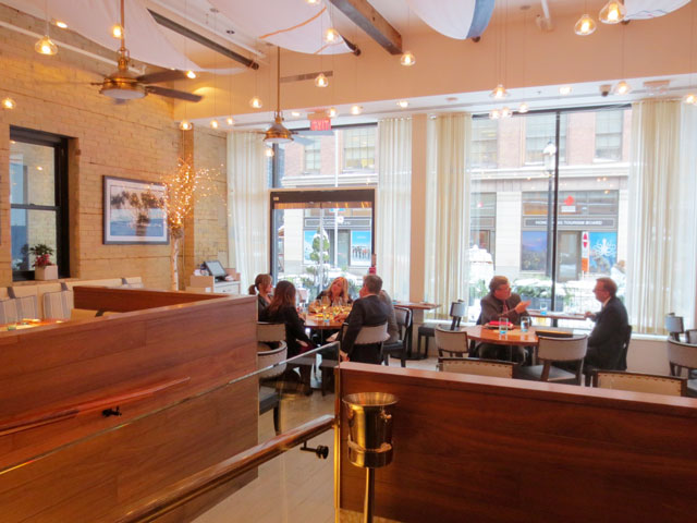 inside-chase-fish-and-oyster-restaurant-toronto