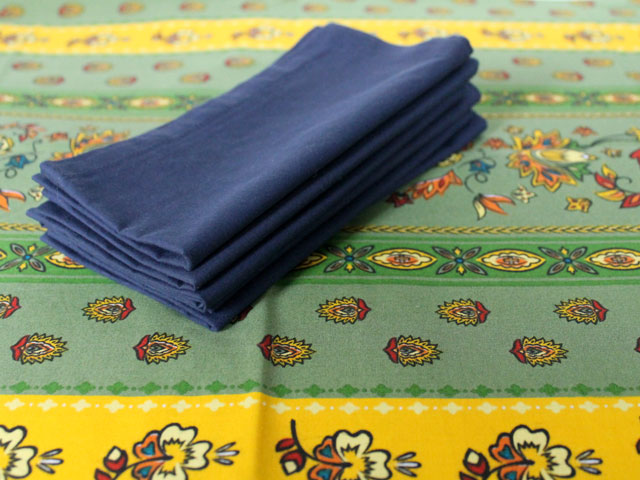 thrifted-napkins-and-tablecloth