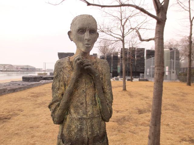 the-orphan-boy-sculpture-in-ireland-park-toronto-by-rowan-gillespie