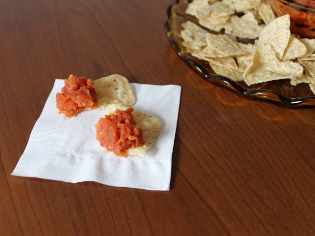 homemade-salsa-cooked-and-fresh-combo-for-better-dipping-texture