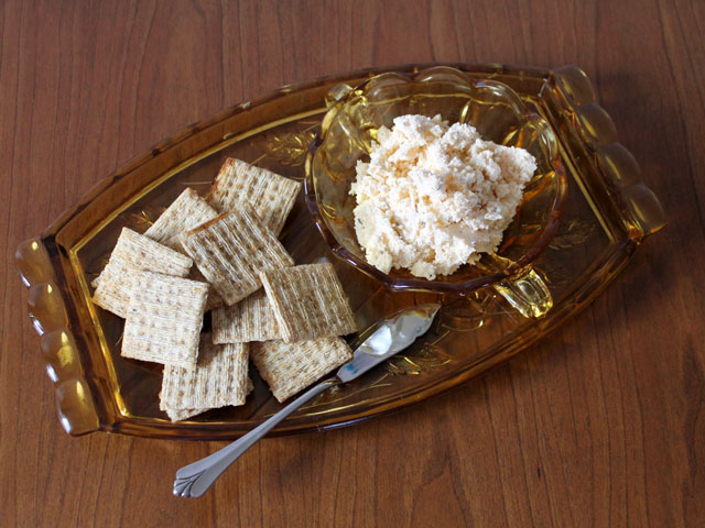 party-food-cheese-spread-with-capers-paprika-caraway-and-beer-hungarian
