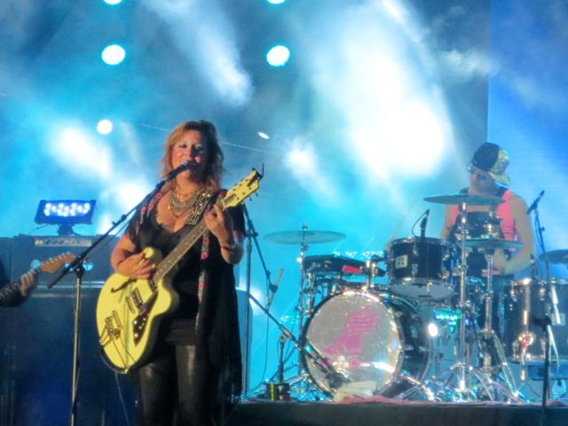 amy-millan-stars-band-toronto-nathan-phillips-square-panamania-pan-am-games-2015