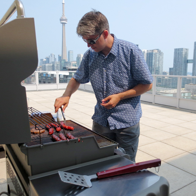 barbecue-on-a-rooftop-patio