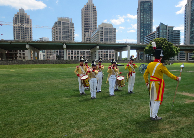 fife-and-drum-band-fort-york-toronto