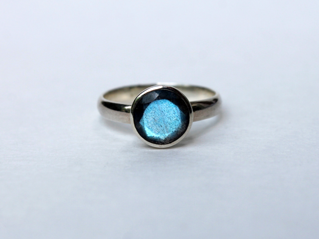 labradorite-and-silver-ring-by-blackiris-design