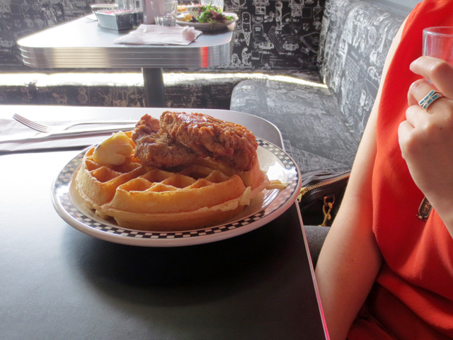 fried-chicken-and-waffles-at-old-school-restaurant-toronto