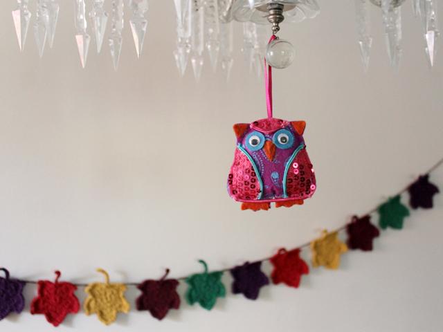 felt-and-sequins-owl-decoration