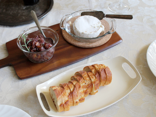 baked-brie-cheese-with-homemade-pear-and-red-wine-relish-recipe