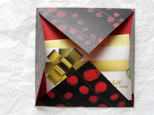 origami-envelope-for-gift-wrapping-and-mailing-gift-card-cheque-or-iou