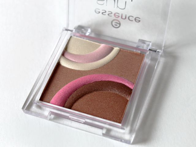 essence-sun-club-all-in-one-bronzing-highlighter-from-shoppers-toronto