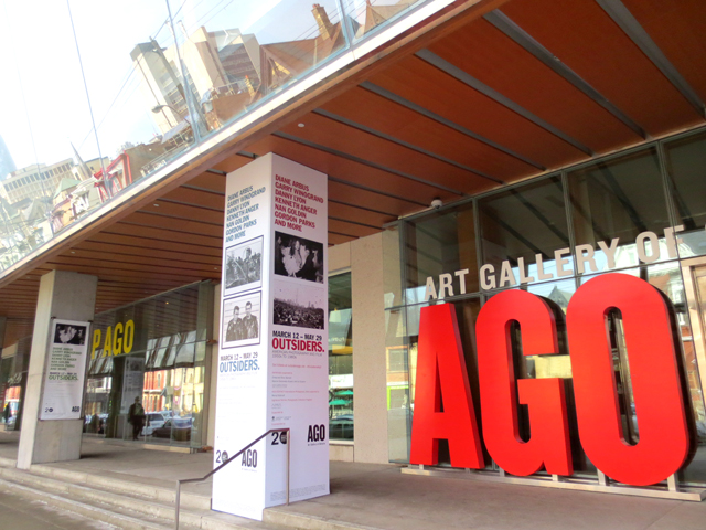 ago-toronto-during-outsiders-american-photography-and-film-show-art-gallery-of-ontario
