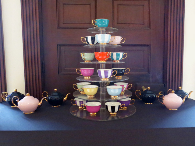 antique-teacups-and-teapots-on-display-in-the-grange-toronto-ago-members-lounge