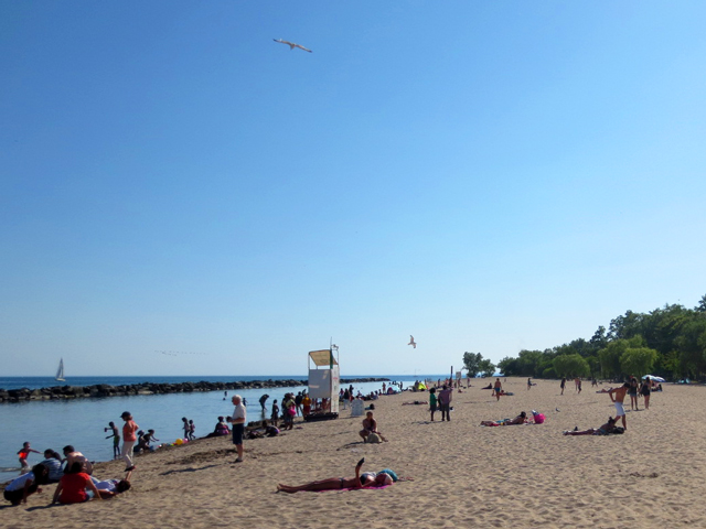 beach-on-centre-island-toronto