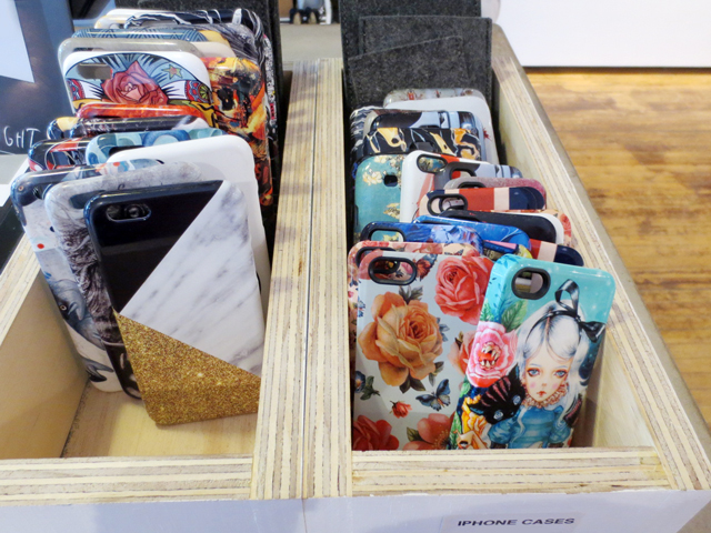 gelaskins-nuvango-phone-cases