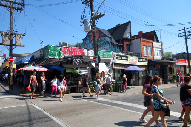 shopping-for-produce-kensington-market-toronto