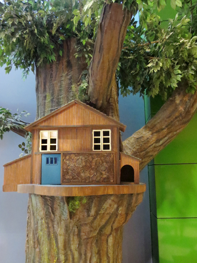 treehouse-from-mr-dressup-cbc-museum-toronto