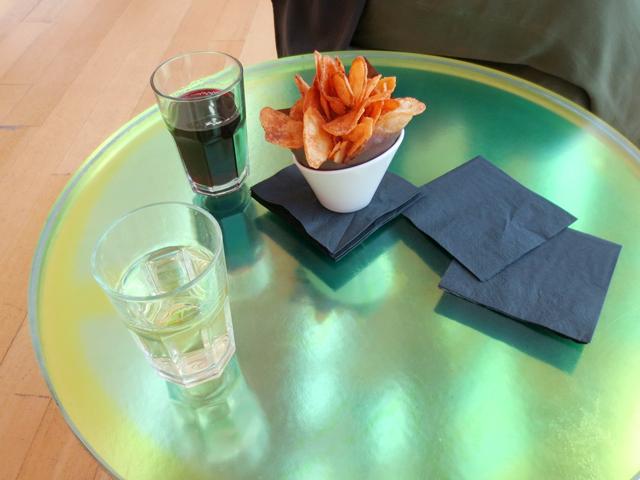 wine-and-handmade-potato-chips