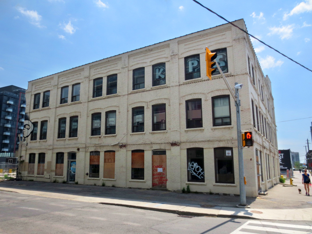 historic-building-torn-down-for-condo-bathurst-and-niagara-toronto