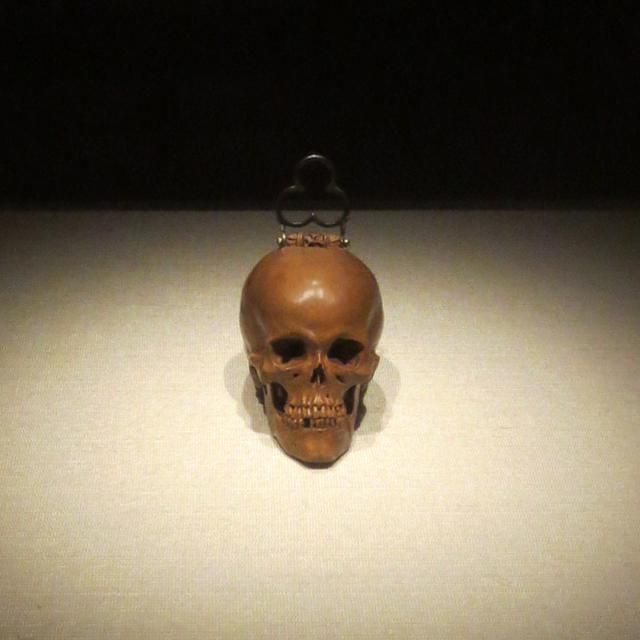 skull-shaped-prayer-bead-small-wonders-exhibition-ago-toronto