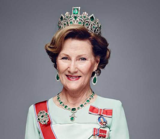 dronning sonja kongehuset melbu skole
