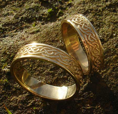 Scottish Celtic Knot Gold Wedding Ring LOVE2HAVE In The UK