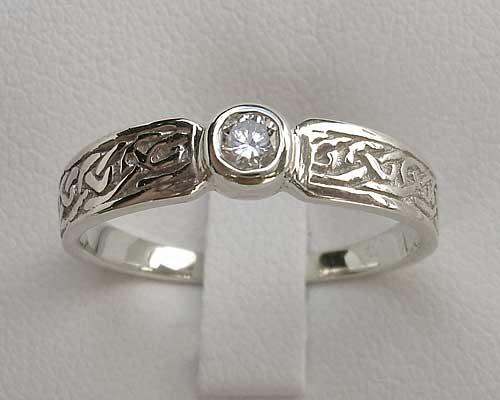 Scottish Celtic Knot Gold Wedding Ring ONLINE In The UK