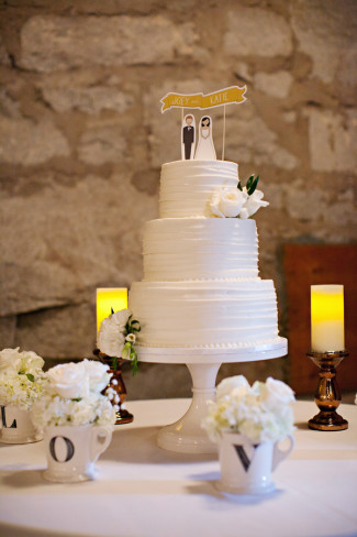 13 Cake Stands Perfect for Any Wedding Style round white cake stand example