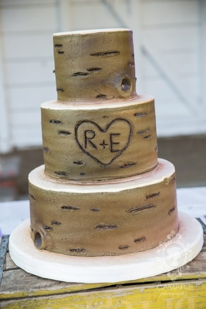 32 Ideas To Incorporate Initials In Your Wedding Decor