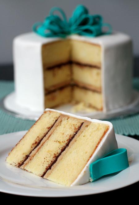 Vanilla Cake with Tiramisu Buttercream and Chocolate Ganache Filling