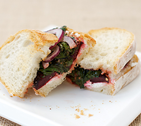 roasted beet and goat cheese sandwich | nush rose