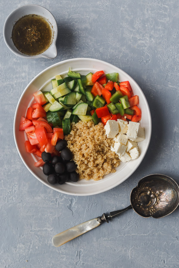 mediterranean quinoa salad ingredients