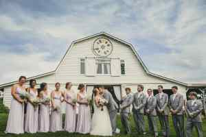 Atlanta Wedding Photographers Large Wedding Party Barn