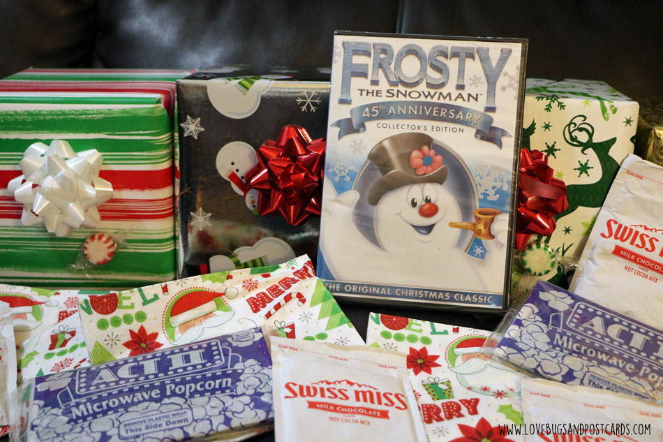 How to host the perfect Christmas family movie night