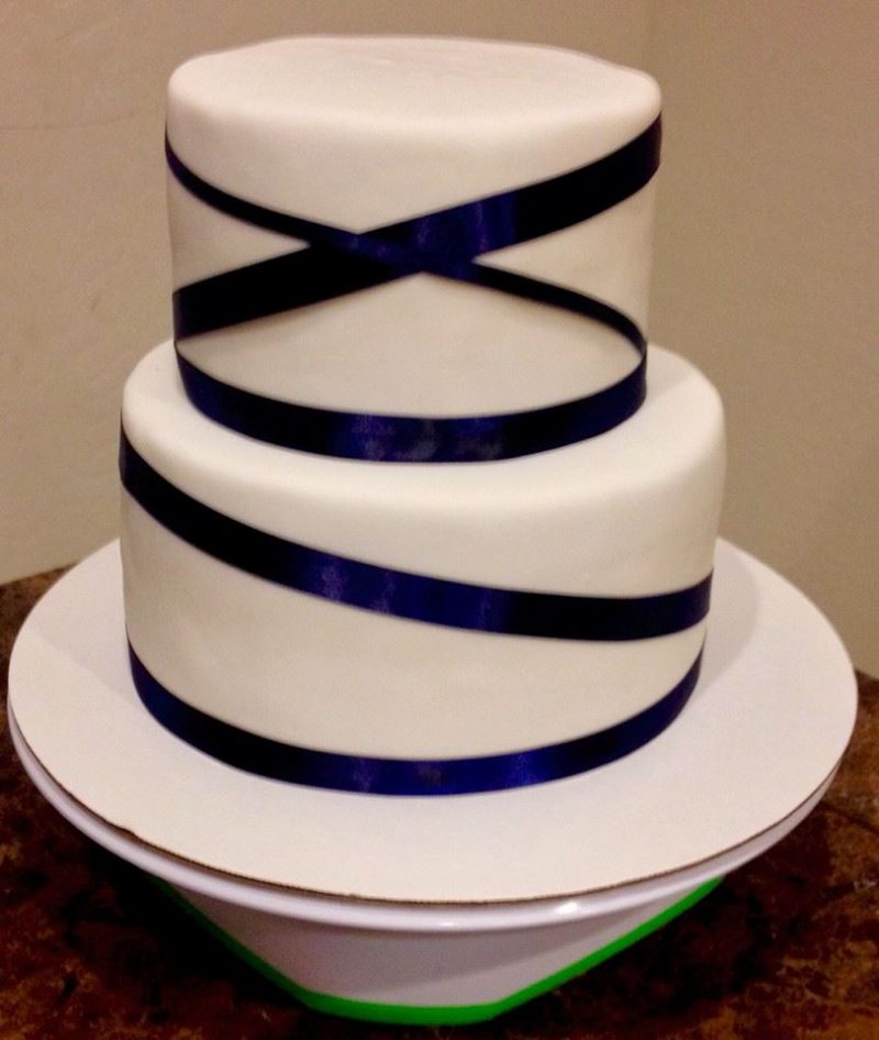 Royal Blue Ribbon Wedding Cake   Lovebug s Edible Designs Royal Blue Ribbon Wedding Cake