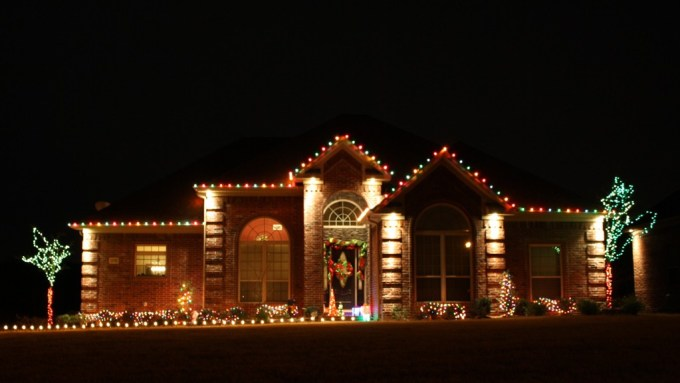 lighting by sparky central arkansas christmas light installation red green